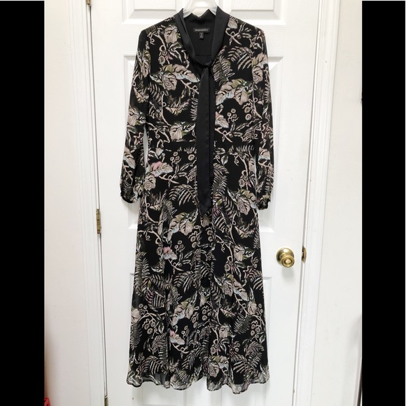 3fe0c49bb Banana Republic Dresses & Skirts - Banana Republic Floral Tie Neck Maxi  Shirt Dress